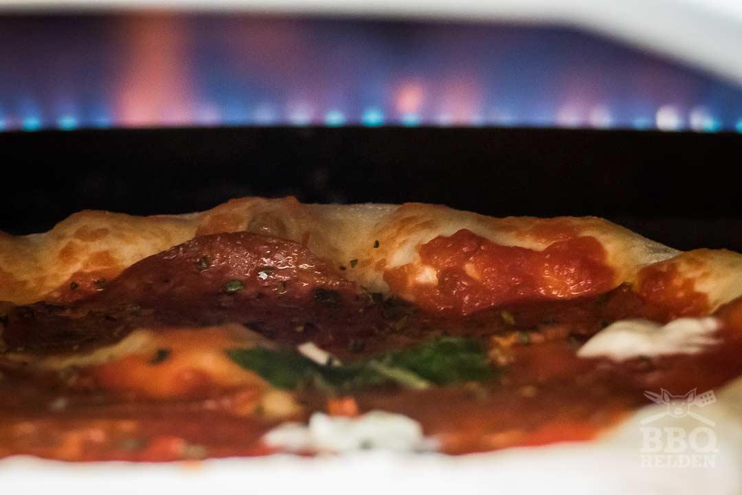 neopolitan pizza in the ooni koda