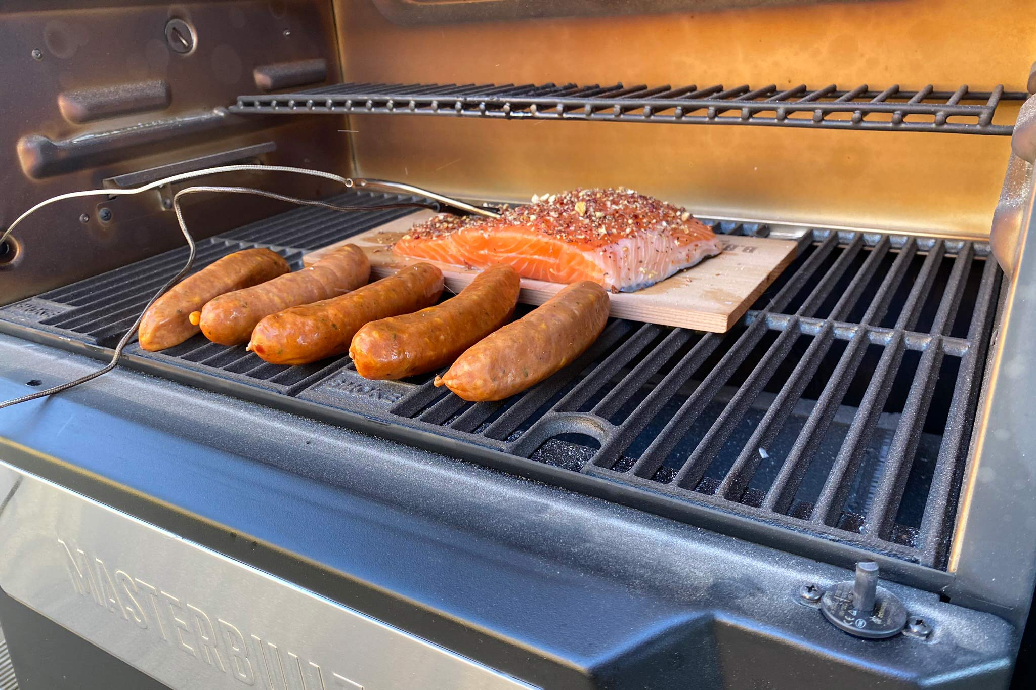 grilling on the masterbuilt gravity series 560
