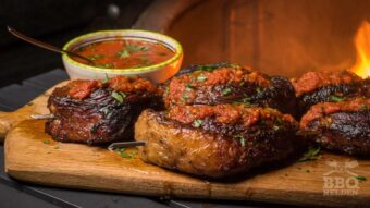 Marinated picanha steaks with roasted tomato sauce