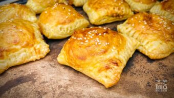 Pulled pork and cheese puff pastry