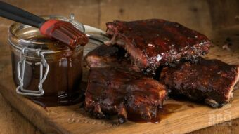Roasted spareribs with apple syrup bbq sauce