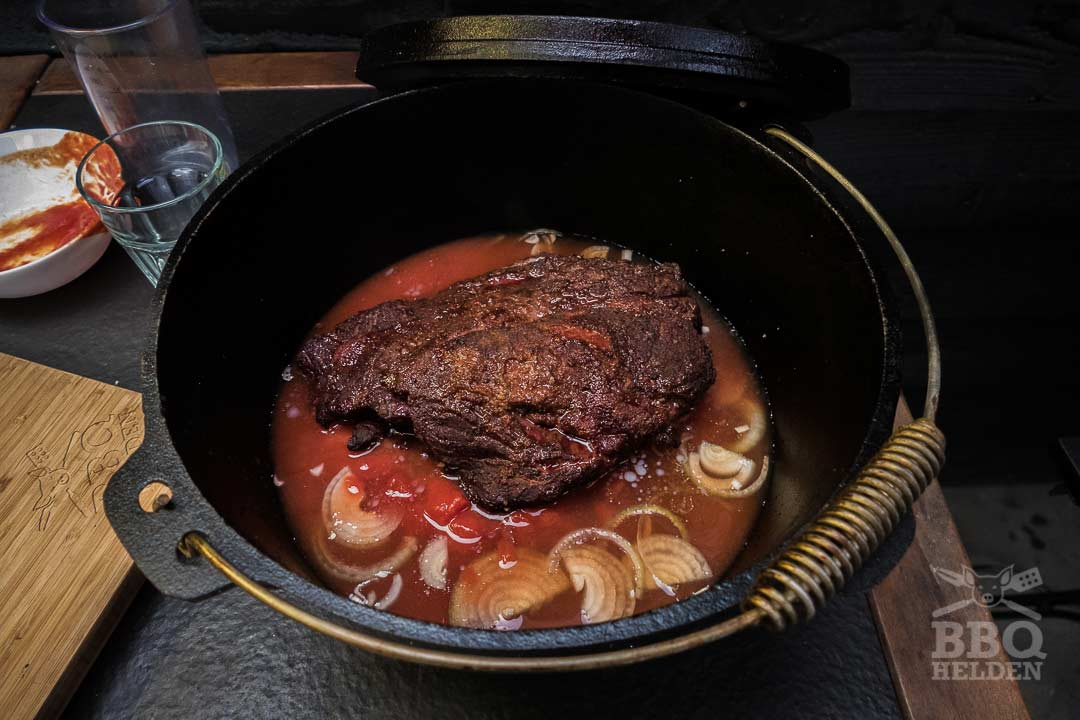smoked chuck roast with onion tomatoe chickenbroth and orange juice